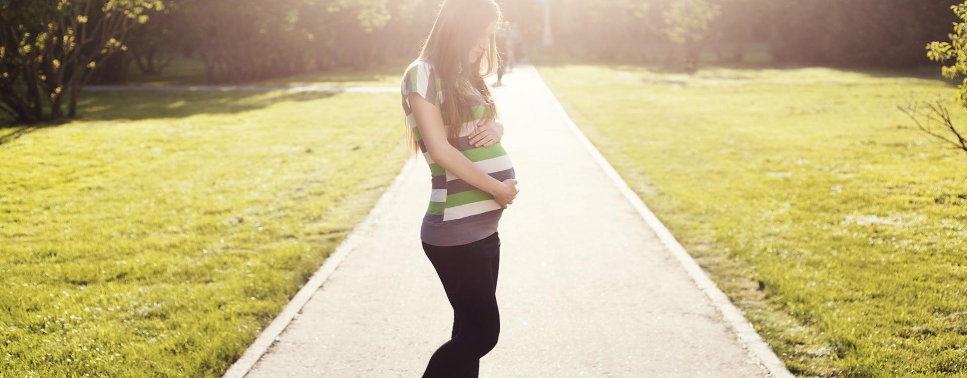 Hamile genç kadın